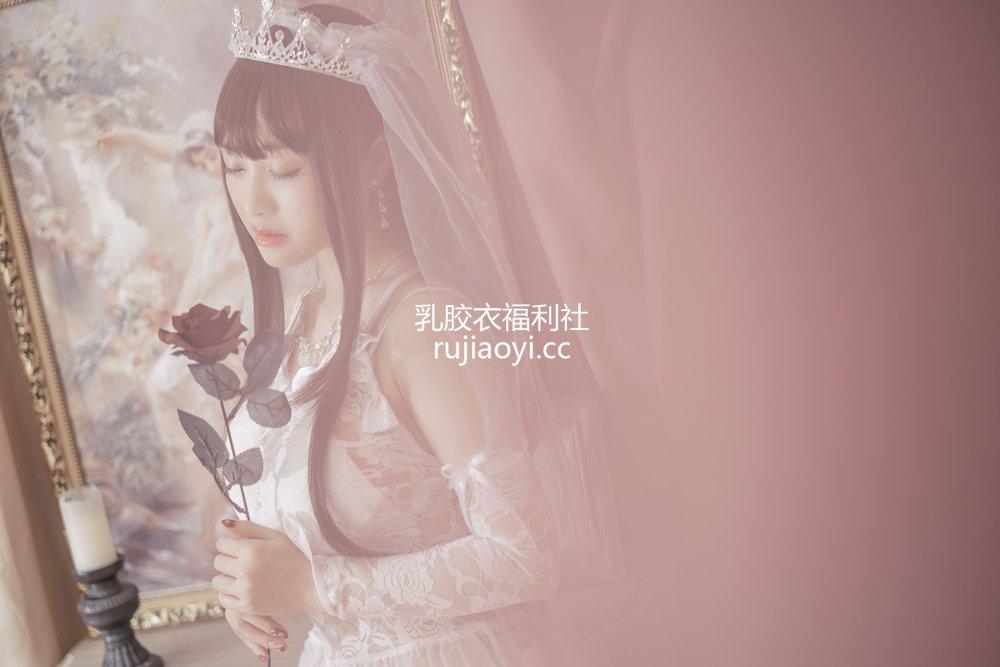 [网红杂图] 脱尾巴Mizuki - 婚纱 [30P313MB]