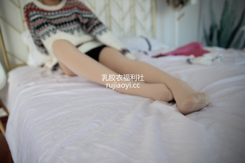 [物恋传媒] No.629 小飞-如月如冰 [161P1V3.60GB]
