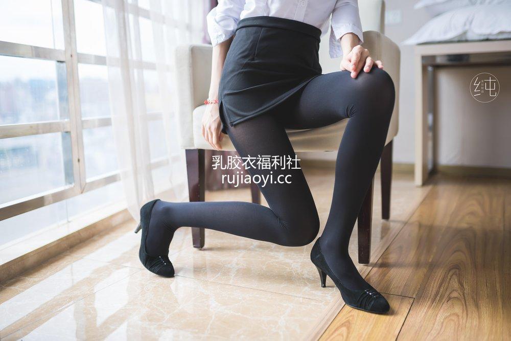 [美丝映画] Vol.004 轻制服小姐姐 [50P48MB]